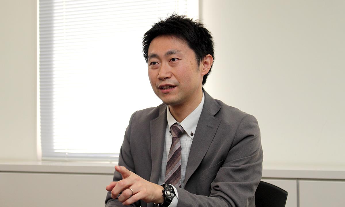 デジタル・インフォメーション・テクノロジー株式会社<br>xoBlos事業部 営業企画・推進 部長<br>秋山 洋 氏